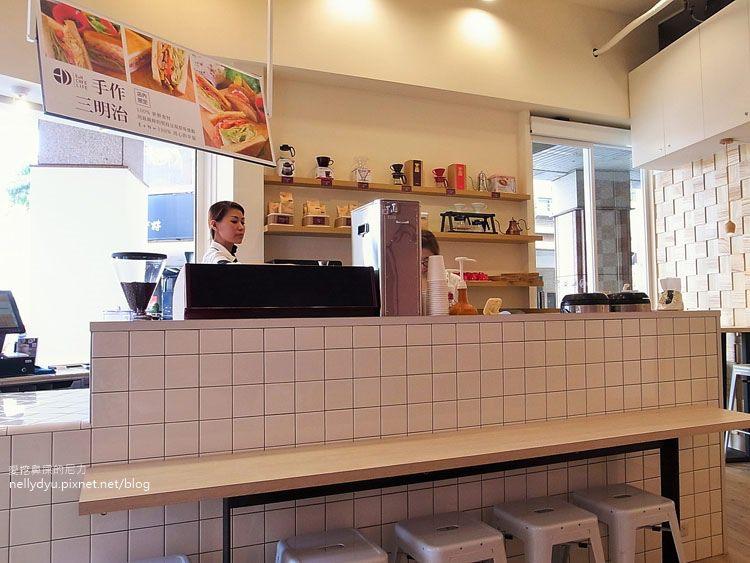 E & N Cafe Life16.JPG