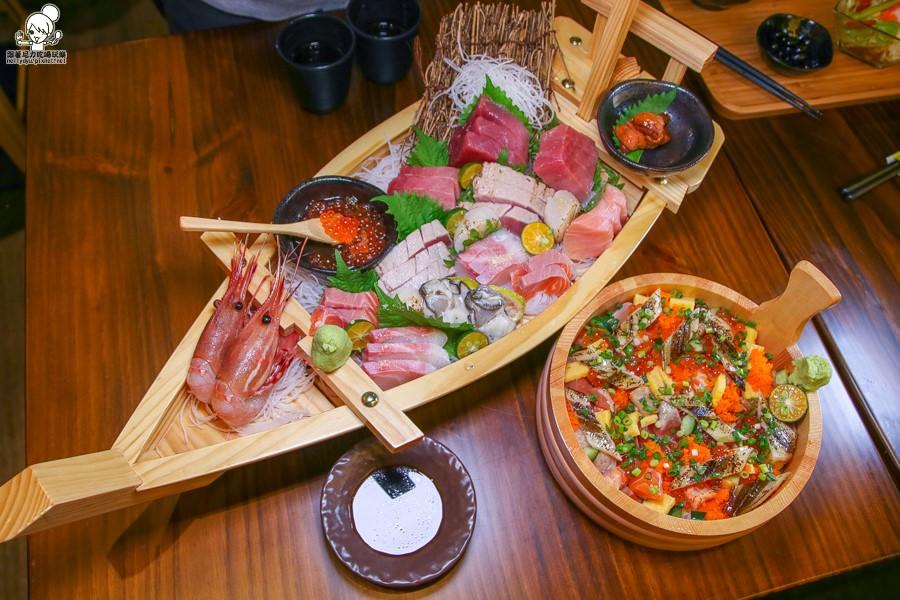 生魚片 海鮮丼飯 高雄丼飯 高雄海鮮 生魚片丼飯 澎派丼飯 可口 平價 高雄美食