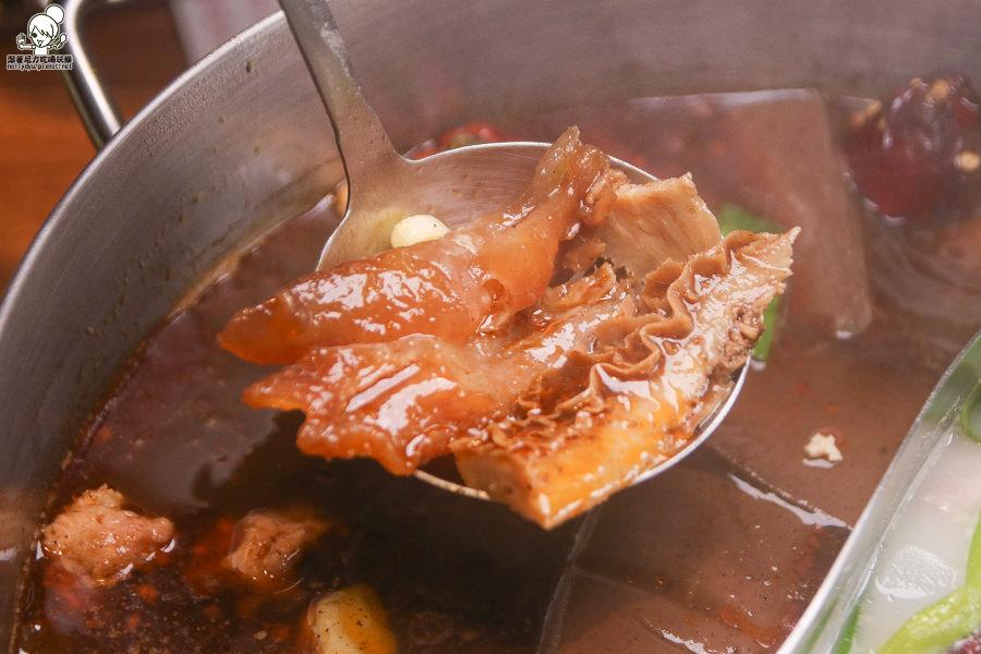 灑椒 麻辣火鍋 高雄麻辣 鍋物 鴛鴦 養生 套餐 聚餐 高雄美食