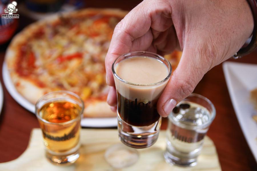 水星酒館 高雄酒館 酒吧 宵夜 小酌 老外 披薩