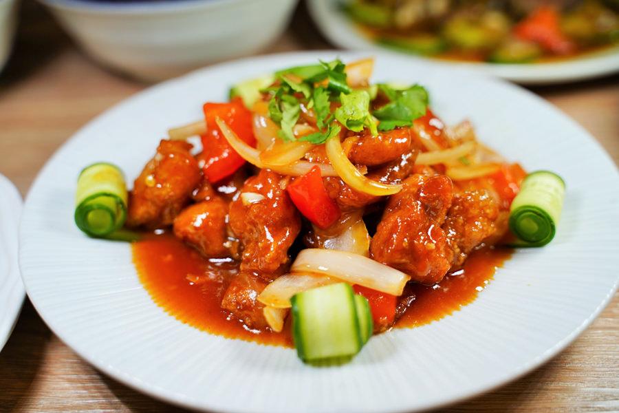 好家廚房 熱炒 中式料理 三代 巨蛋商圈 聚餐 家常料理 麵 豬肉麵 必吃 高雄美食