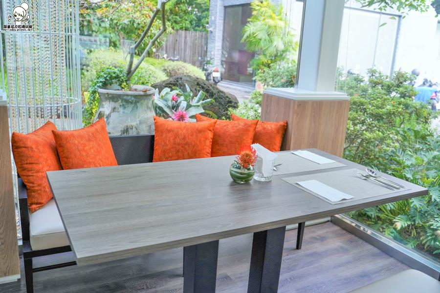 聚餐推薦 愛河之心 網美餐廳 溫室 森林 精緻 細膩 聚餐 約會 包場 婚宴