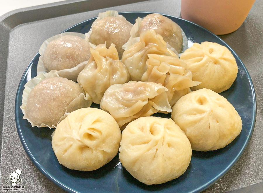 包子叔叔 前金 小吃 小籠包 水晶餃 燒賣 台式 小吃 高雄美食 老字號