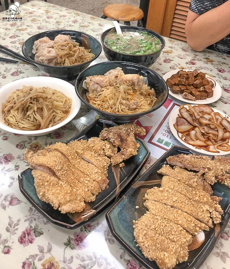 巨揚 餛飩 大餛飩 溫州 高雄美食 麵食 榨菜 麵 必吃 老字號