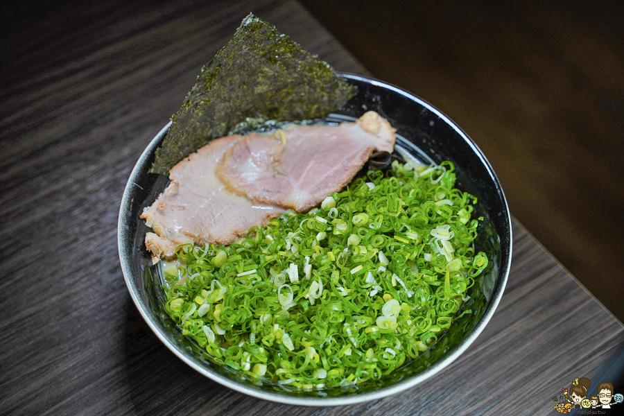 臥龍拉麵 豚骨 叉燒 日本 博多拉麵 九州拉麵 濃郁 細拉麵 高雄必吃 高雄推薦拉麵