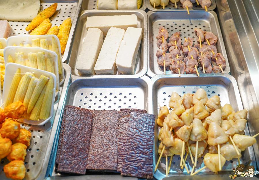 左營 鹹酥雞 香雞排 獨門 特製 老店 炸物 排隊 美食 小吃 光頭老闆
