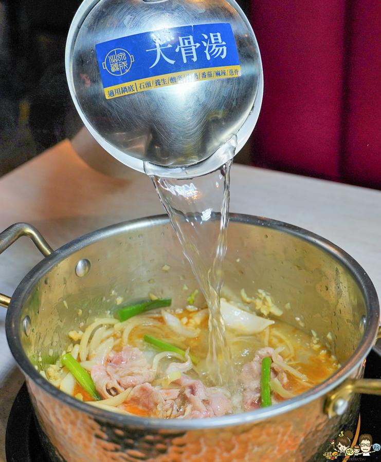 漢神巨蛋美食 火鍋 聚餐首選 推薦 必吃 高雄老店 鍋物 肉肉 海鮮 約會 網美餐廳