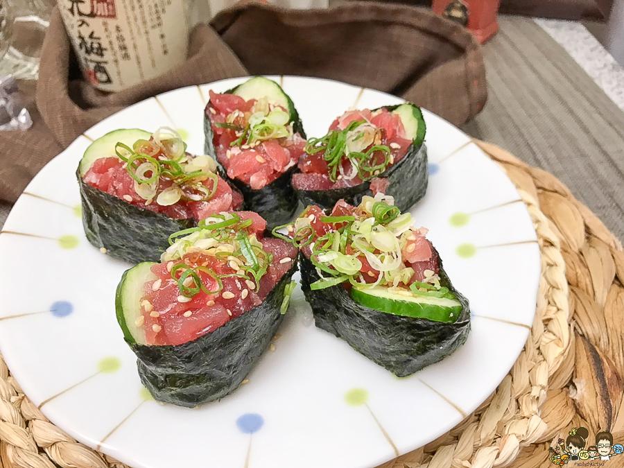 鮭魚壽司 上漁屋 手作壽司 花壽司 鮭魚 生魚片 日式料理 日式美食 好吃 新鮮 平價 銅板 高雄美食