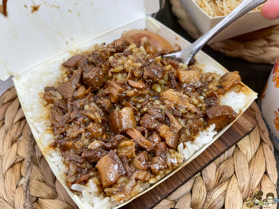 55年老店豬血湯 老店 老字號 豬血湯 米粉 肉燥 高雄肉燥飯 高雄美食